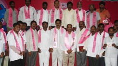 Konda Vishweshwar Reddy attends Sherlingampally RMP Doctors Union and Rajaka Sangam members Join in TRS party at TRS Bhavan