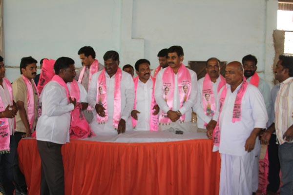 Konda Vishweshwar Reddy attends member joining into the party at Vikarabad 4