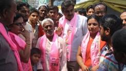Konda Vishweshwar Reddy participates in Tandur Municipal Election Campaign (11)