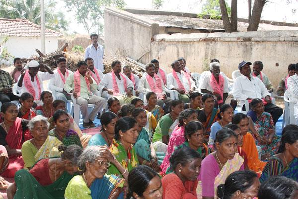 Konda Vishweshwar Reddy participates interaction with Kethireddy pally Villagers 1