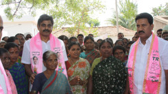 Konda Vishweshwar Reddy participates interaction with Kethireddy pally Villagers 10