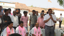 Konda Vishweshwar Reddy participates interaction with Kethireddy pally Villagers 2