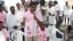 Konda Vishweshwar Reddy participates interaction with Kethireddy pally Villagers 245x138
