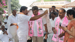 Konda Vishweshwar Reddy participates interaction with Kethireddy pally Villagers 6