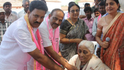 Konda Vishweshwar Reddy participates interaction with Kethireddy pally Villagers 8