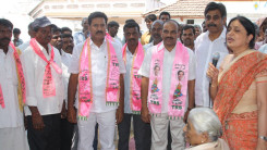 Konda Vishweshwar Reddy participates interaction with Kethireddy pally Villagers 9
