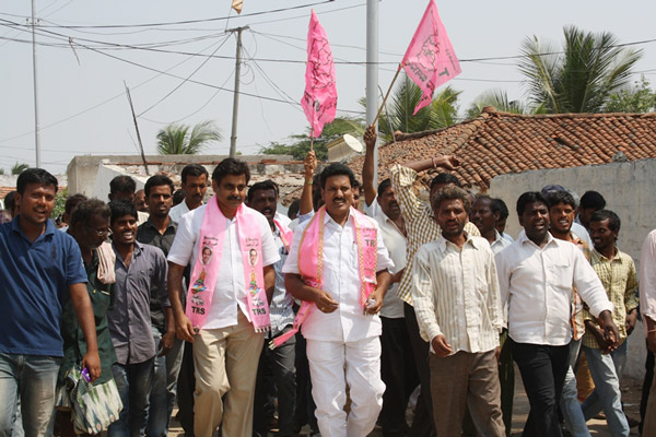 Konda Vishweshwar Reddy participates interaction with Kethireddy pally Villagers