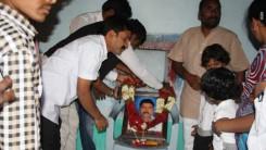 Konda Vishweshwar Reddy visits Namaste Telangana Press Reporter Narsimhulu family 4