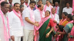 Konda Vishweshwar Reddy welcomes new members into the party 5