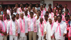 Konda Vishweshwar Reddy welcome's new members into the party at Chevella 1