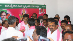 Konda Vishweshwar Reddy welcome's new members into the party at Chevella 5