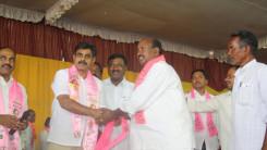 Konda Vishweshwar Reddy welcome's new members into the party at Vikarabad 2