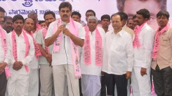 Konda Vishweshwar Reddy welcomes new members into the party at office.jpg (5)