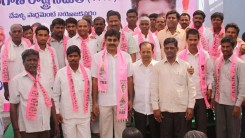 Konda Vishweshwar Reddy welcomes new members into the party at office.jpg (7)