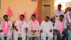 Konda Vishweshwar Reddy welcoming members into the party at Kismathpur 1