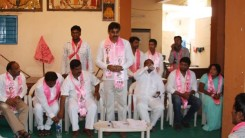 Konda Vishweshwar Reddy welcoming members into the party at Kismathpur 3