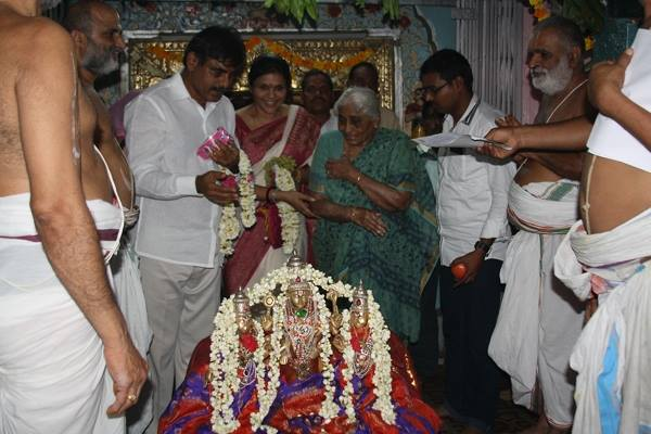 Konda Vishweshwar Reddy visited Chilukur Balaji Temple 1
