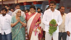Konda Vishweshwar Reddy visited Chilukur Balaji Temple 245x138