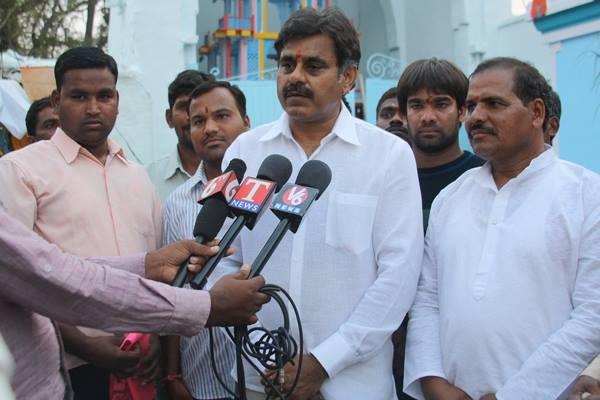 Konda Vishweshwar Reddy visited Chilukur Balaji Temple 3