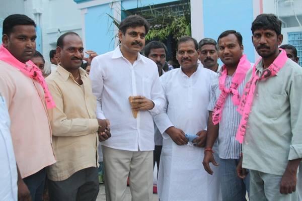 Konda Vishweshwar Reddy visited Chilukur Balaji Temple 4